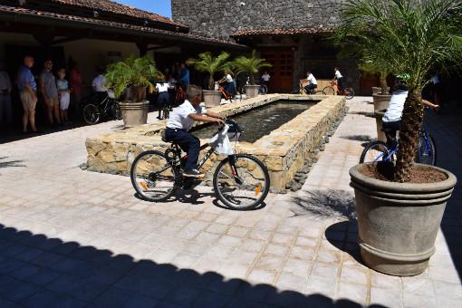 Kalos Financial Atlanta Kalos on a Mission 2019 Costa Rica children riding bikes